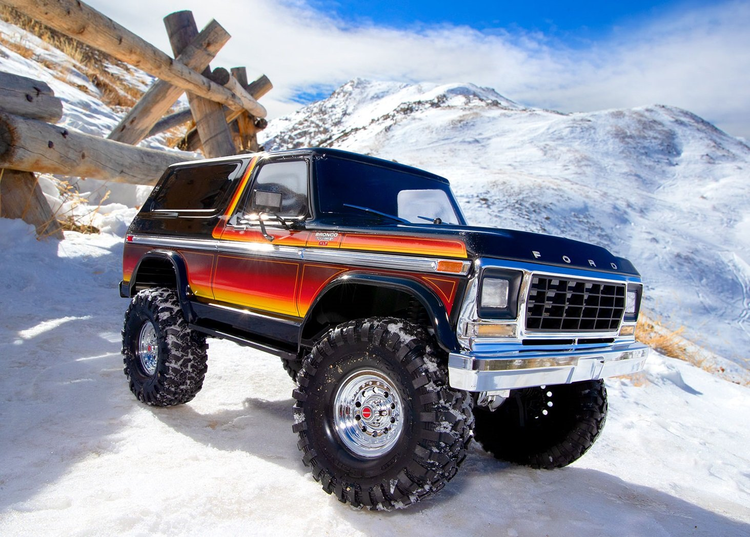 Fandacycle Professional Gear and Apparel in Columbia MO 82046-4-Ford-Bronco-Action-8117